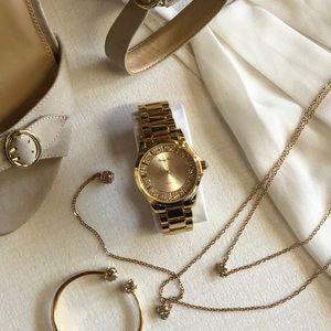 Accessories - Beautiful Gold Tone Watch